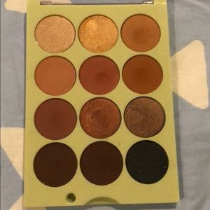 Pixi + ITSJUDYTIME Eyeshadow Palette